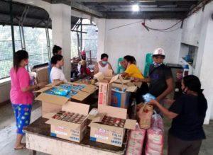 Making food packs in Manila.